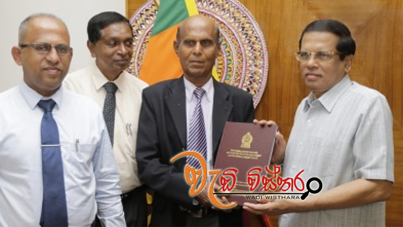 presidential-committee-report-on-meethotamulla-garbage-issue-handed-over-to-president