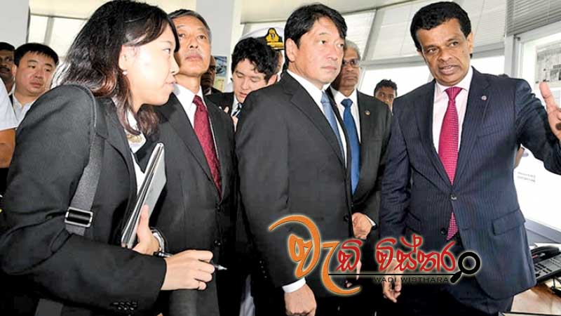 japanese-defense-minister-visits-colombo-harbor