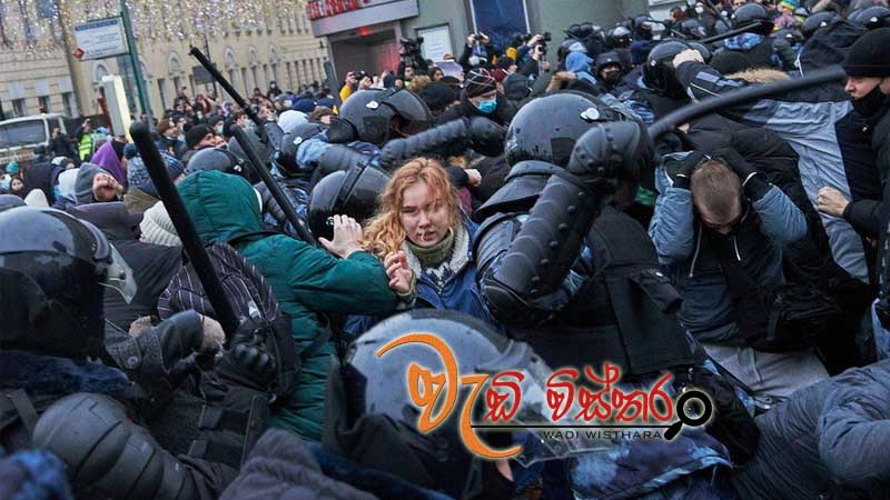 more-than-3000-arrested-in-protests-across-russia